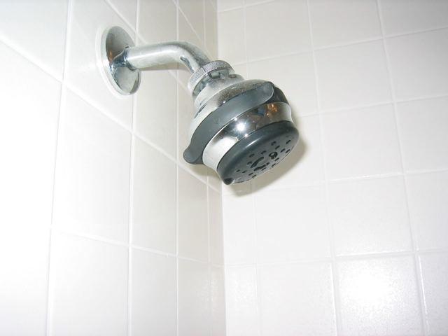 ברזים למקלחת